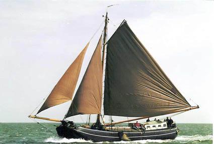 zeilen op IJsselmeer of Waddenzee met de tjalk Zwarte Ruiter vanuit Harlingen