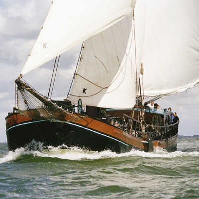zeilen op IJsselmeer of Waddenzee met de klipperaak Catharina van Mijdrecht vanuit Monnickendam