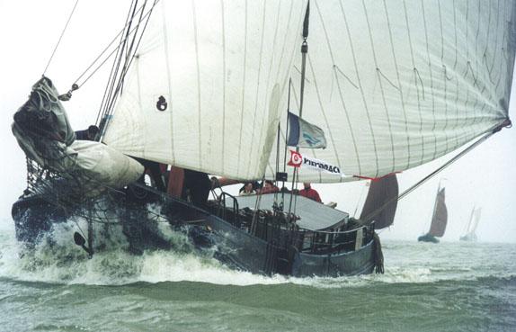 zeilen op IJsselmeer of Waddenzee met de tjalk Lammert van Dirk vanuit Muiden