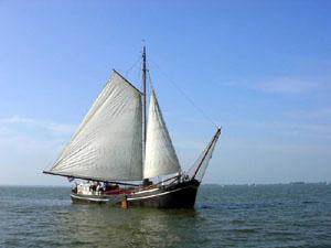 zeilen op IJsselmeer of Waddenzee met de klipperaak Hollandia vanuit Hellevoetsluis