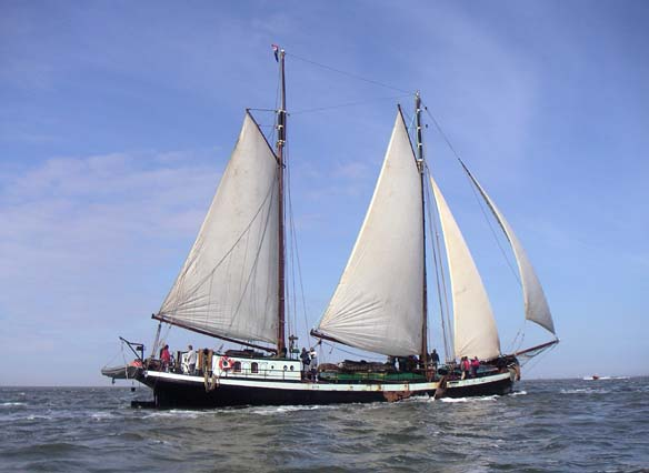 zeilen op IJsselmeer of Waddenzee met de tweemastklipper Ambulant vanuit Harlingen