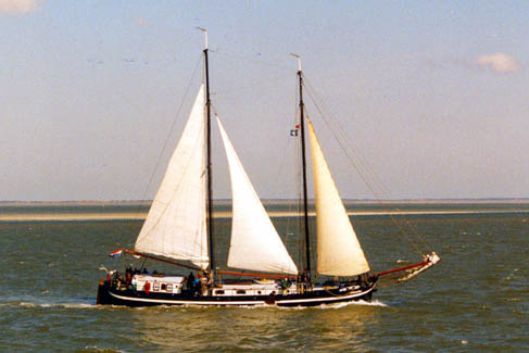 Segeln auf IJsselmeer oder Wattenmeer mit der Zweimastklipperaak Antonia ab Harlingen