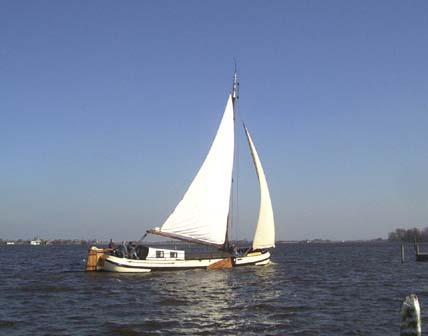 Schiff mieten auf IJsselmeer oder Wattenmeer : die Skutsje Nijverheid ab Grou