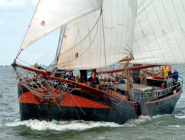 zeilen op IJsselmeer of Waddenzee met de tweemastklipper Twee Gebroeders vanuit Muiden