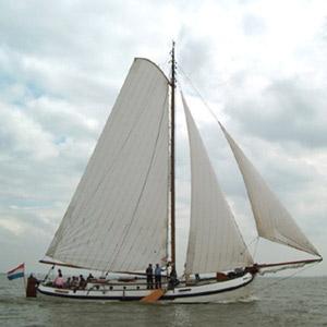 zeilen op IJsselmeer of Waddenzee met de lemsteraak Brave Hendrik vanuit Harlingen