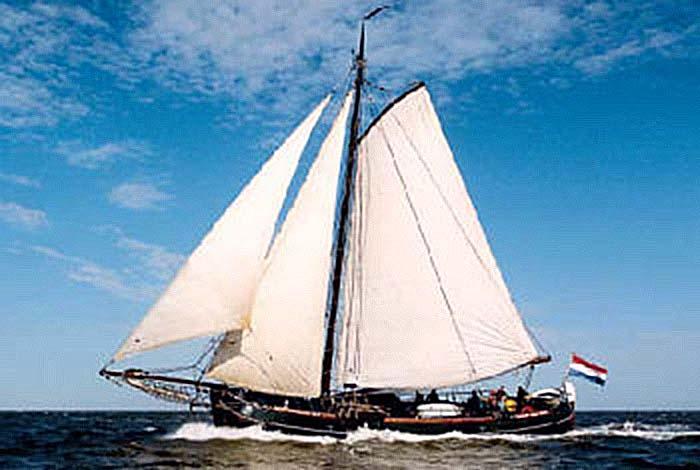 zeilen op IJsselmeer of Waddenzee met de hektjalk Arend vanuit Stavoren