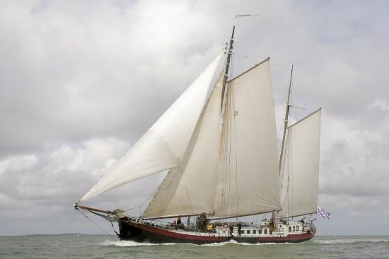 zeilen op IJsselmeer of Waddenzee met de tweemastklipper Beantra vanuit Lemmer