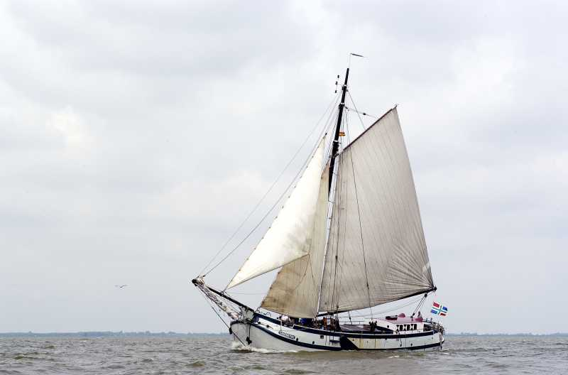 zeilen op IJsselmeer of Waddenzee met de koftjalk Onderneming vanuit Lemmer