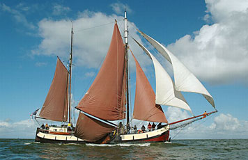 Segeln auf IJsselmeer oder Wattenmeer mit der Tjalk Vrouwezand ab Stavoren