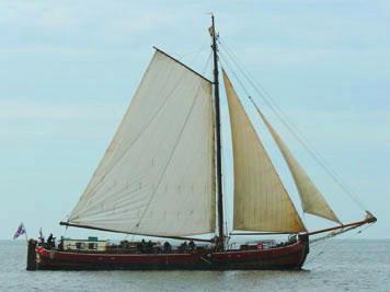 zeilen op IJsselmeer of Waddenzee met de eenmasttjalk Sudermar vanuit Stavoren