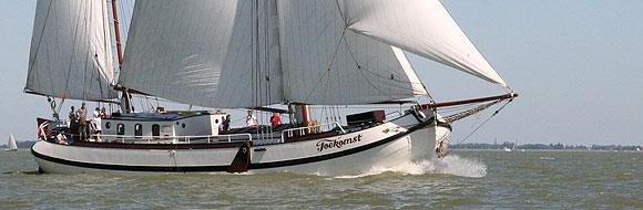 Segeln auf IJsselmeer oder Wattenmeer mit der Kofftjalk Toekomst ab Hoorn