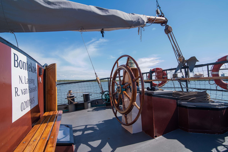 zeilen op IJsselmeer of Waddenzee met de tweemastklipper Bontekoe vanuit Enkhuizen