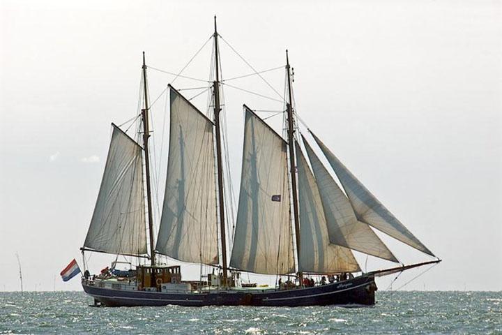 zeilen op IJsselmeer of Waddenzee met de driemastschoener Morgana vanuit Harlingen