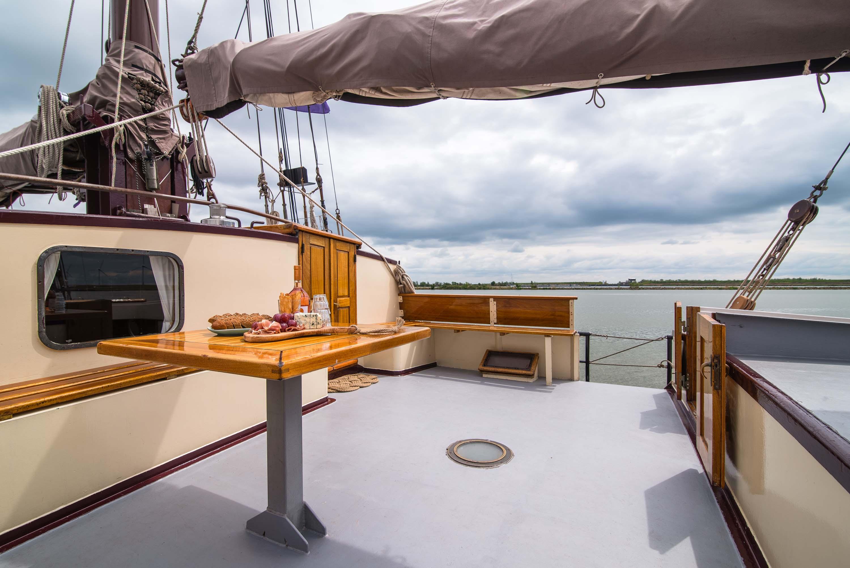 zeilen op IJsselmeer of Waddenzee met de tweemastklipper Nirwana vanuit Enkhuizen