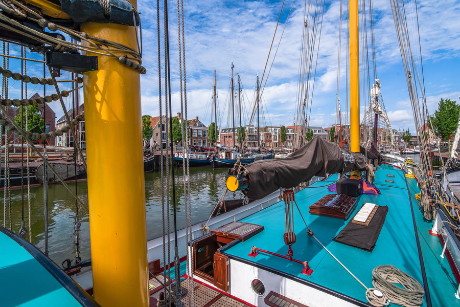 zeilen op IJsselmeer of Waddenzee met de tweemastlogger Zeemeeuw vanuit Harlingen