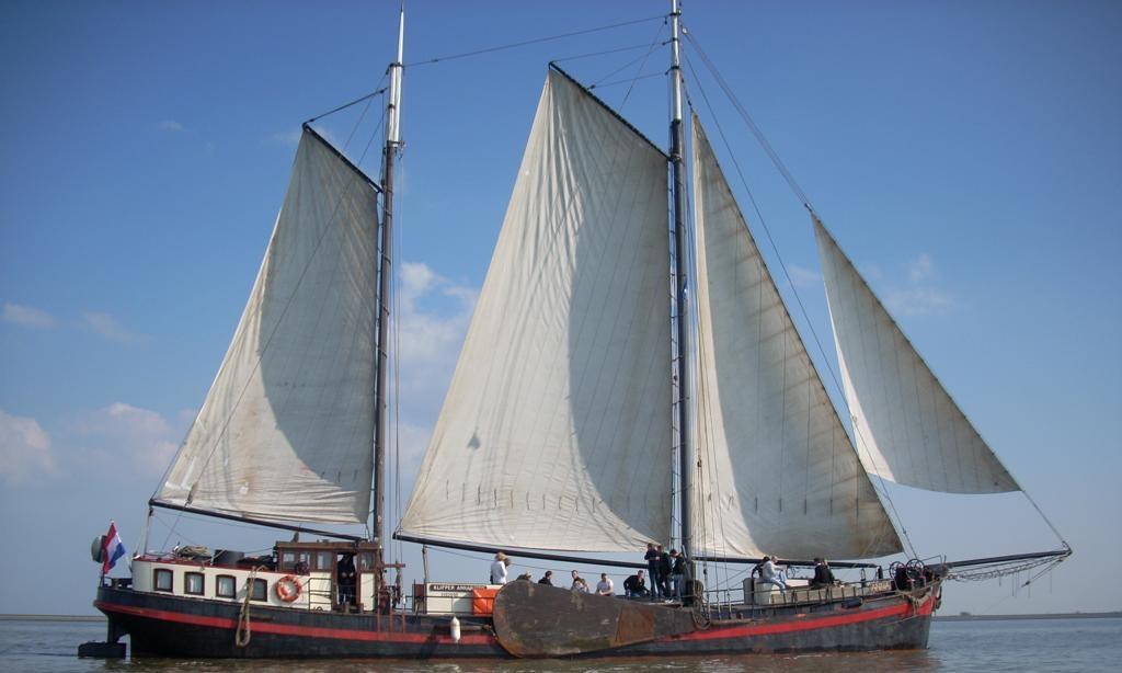 zeilen op IJsselmeer of Waddenzee met de klipper Anna vanuit Harlingen