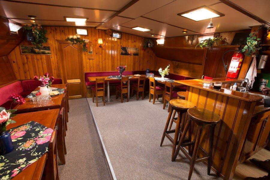 zeilen op IJsselmeer of Waddenzee met de stevenschip Arbeid Adelt vanuit Harlingen