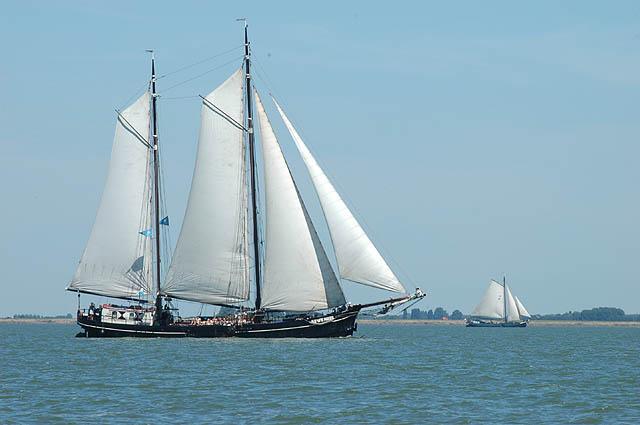 zeilen op IJsselmeer of Waddenzee met de tweemastklipper Auwe Neel vanuit Hoorn