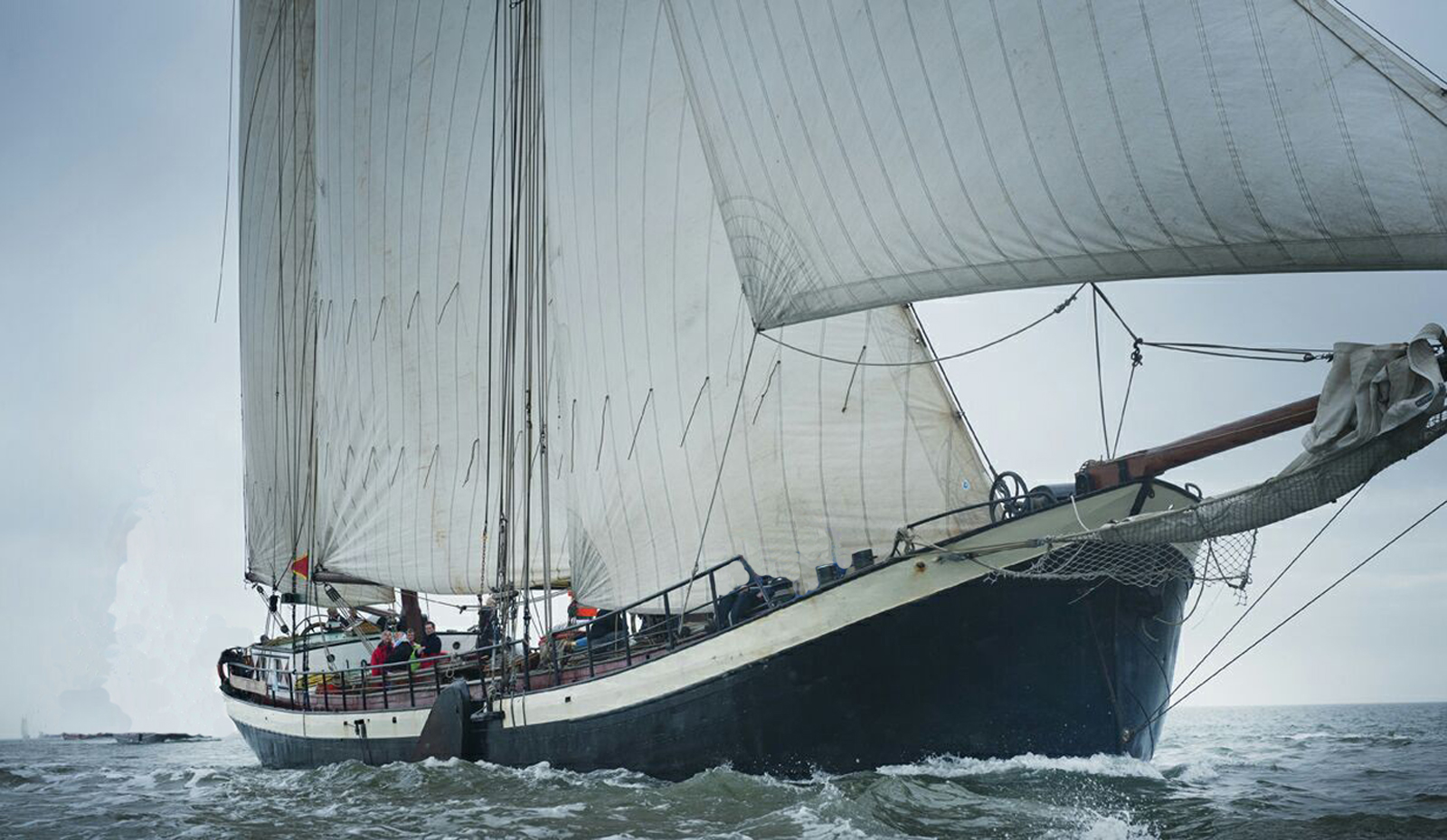 zeilen op IJsselmeer of Waddenzee met de tweemastklipper Avontuur vanuit Harlingen