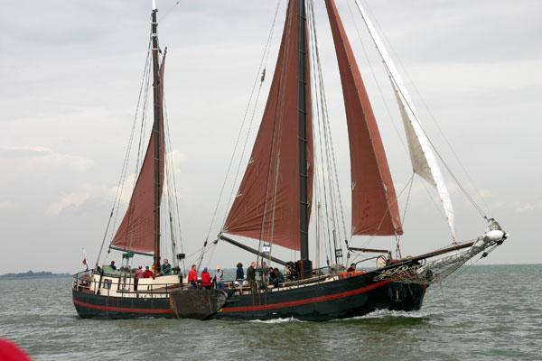 Segeln auf IJsselmeer oder Wattenmeer mit der Klipperaak Chateauroux ab Monnickendam