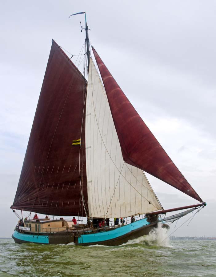 zeilen op IJsselmeer of Waddenzee met de zeetjalk Confiance vanuit Harlingen