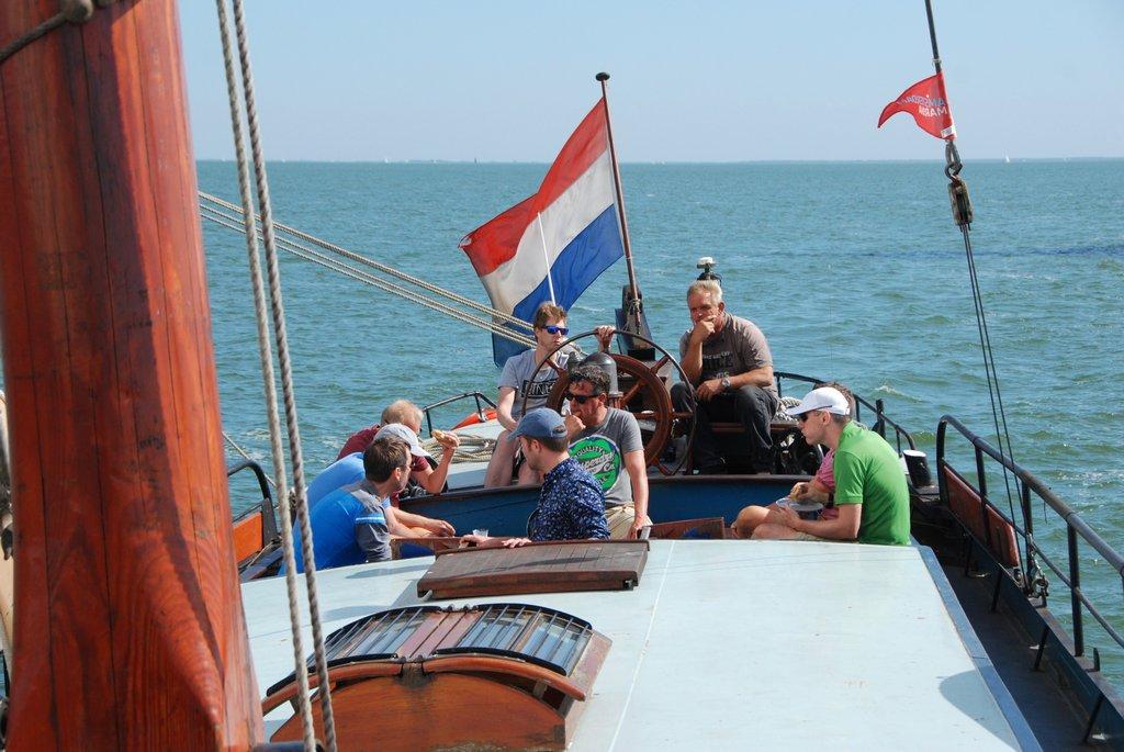 zeilen op IJsselmeer of Waddenzee met de ijsseltjalk Dankbaarheid vanuit Monnickendam