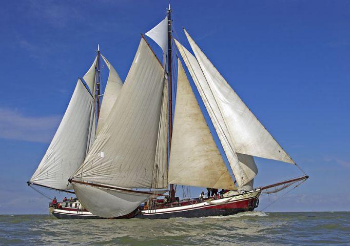 zeilen op IJsselmeer of Waddenzee met de tweemastklipper Johanna Engelina vanuit Enkhuizen