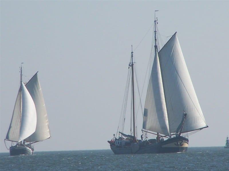 zeilen op IJsselmeer of Waddenzee met de tweemastklipper Korevaer vanuit Monnickendam