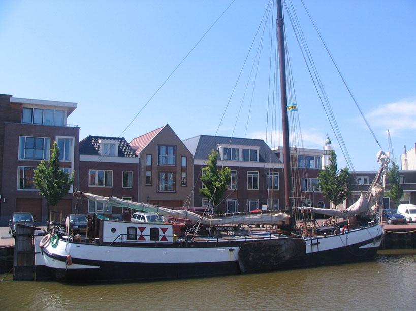 zeilen op IJsselmeer of Waddenzee met de tjalk Larus vanuit Harlingen
