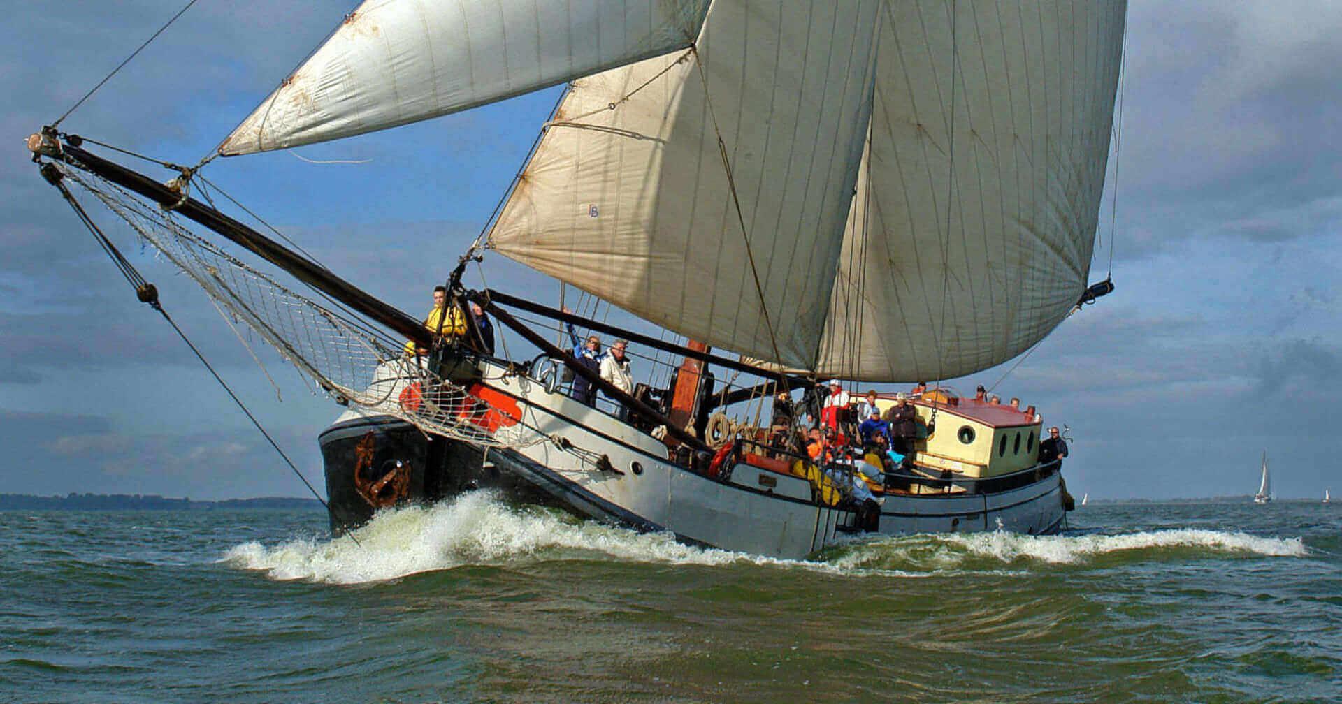 zeilen op IJsselmeer of Waddenzee met de tjalk Liberté vanuit Muiden