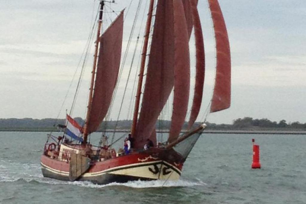 zeilen op IJsselmeer of Waddenzee met de klipperaak Linquenda II vanuit Hellevoetsluis