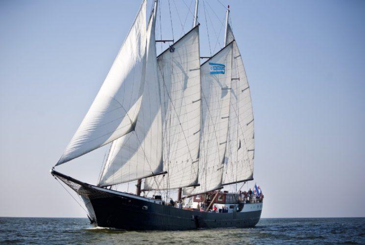 zeilen op IJsselmeer of Waddenzee met de schoener Mare Fan Fryslan vanuit Enkhuizen