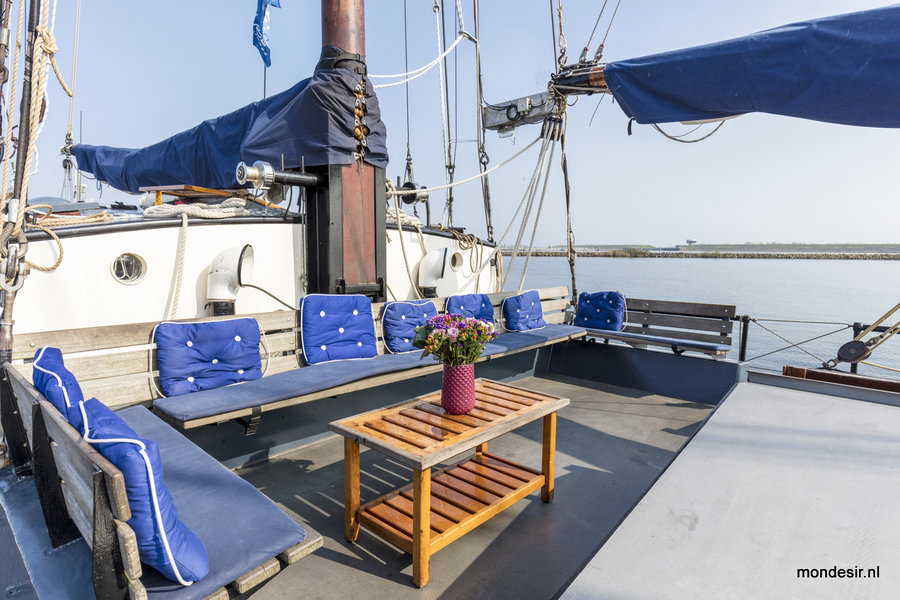 zeilen op IJsselmeer of Waddenzee met de tweemastklipper Mon Desir vanuit Enkhuizen