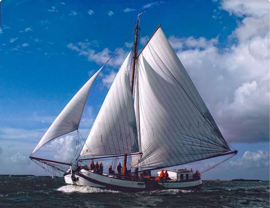Segeln auf IJsselmeer oder Wattenmeer mit der Einmasttjalk Nieuwe Zorg ab Muiden