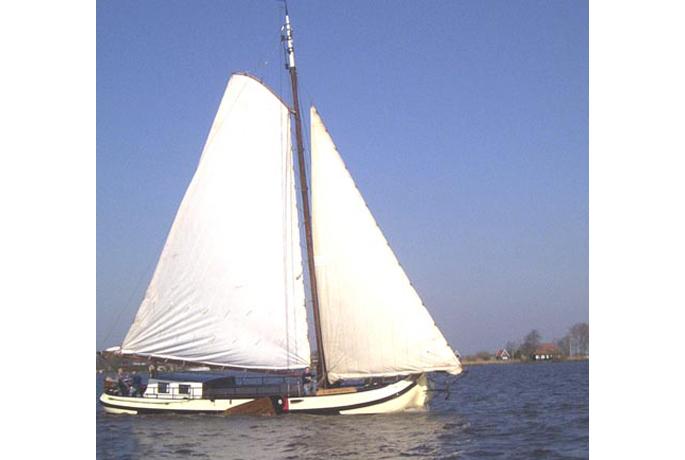 Segeln auf IJsselmeer oder Wattenmeer mit der Skutsje Nijverheid ab Grou