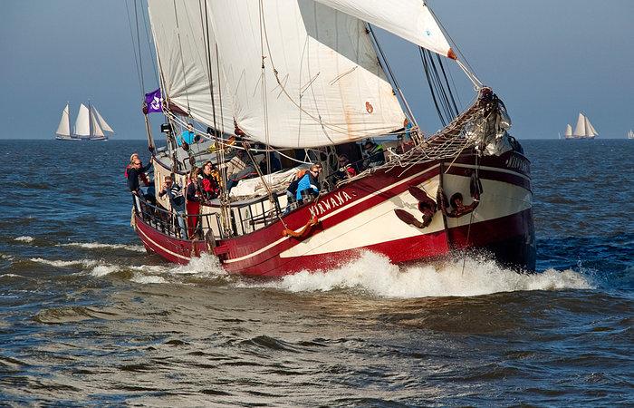 Segeln auf IJsselmeer oder Wattenmeer mit der Zweimastklipper Nirwana ab Enkhuizen