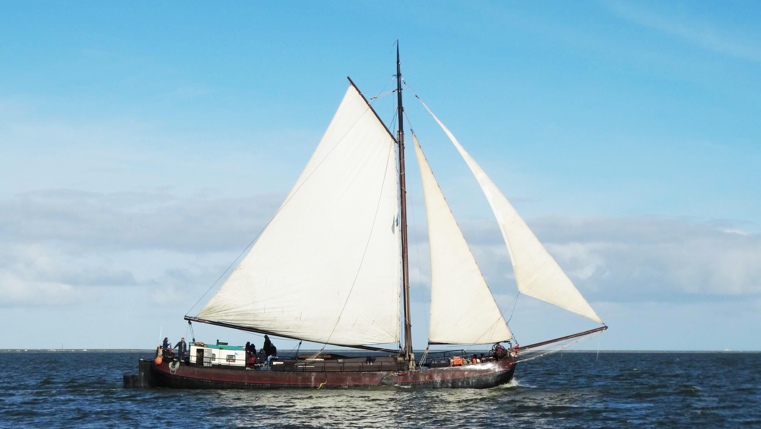 zeilen op IJsselmeer of Waddenzee met de tjalk Noordster vanuit Harlingen