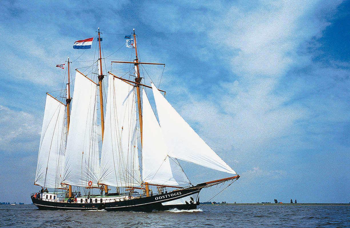 zeilen op IJsselmeer of Waddenzee met de driemastklipper Oostvogel vanuit Hellevoetsluis