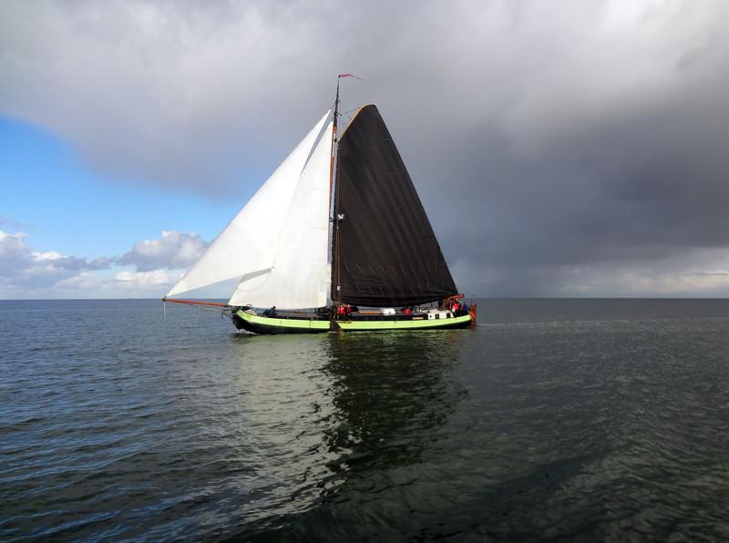 Segeln auf IJsselmeer oder Wattenmeer mit der Einmasttjalk Overwinning ab Harlingen