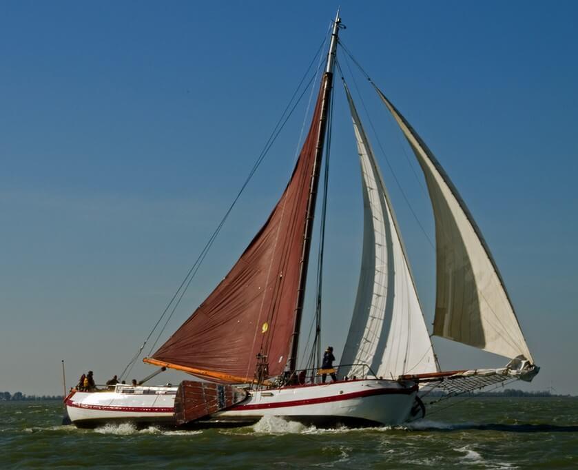 zeilen op IJsselmeer of Waddenzee met de eenmasttjalk Pallieter vanuit Harlingen