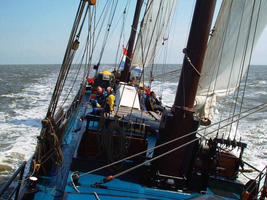 zeilen op IJsselmeer of Waddenzee met de tweemastklipper Panta Rhei vanuit Harlingen