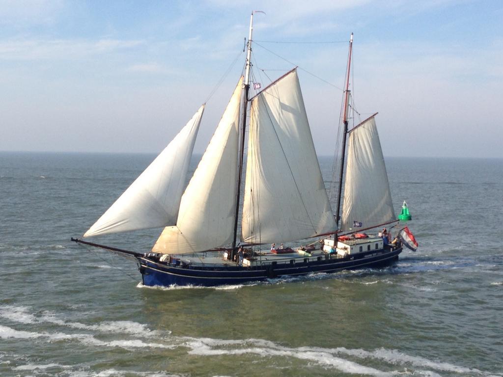 zeilen op IJsselmeer of Waddenzee met de tweemastklipper Poolster vanuit Harlingen