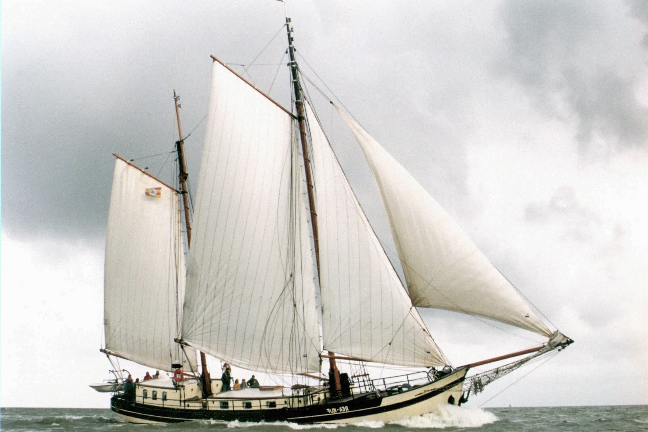 zeilen op IJsselmeer of Waddenzee met de tweemastklipper Rea-Klif vanuit Stavoren