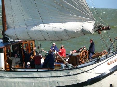 zeilen op IJsselmeer of Waddenzee met de koftjalk Schuttevaer vanuit Enkhuizen