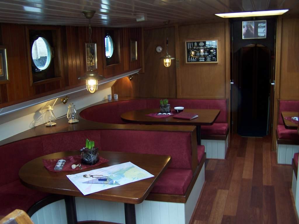 zeilen op IJsselmeer of Waddenzee met de tweemastklipper Tijdgeest vanuit Harlingen