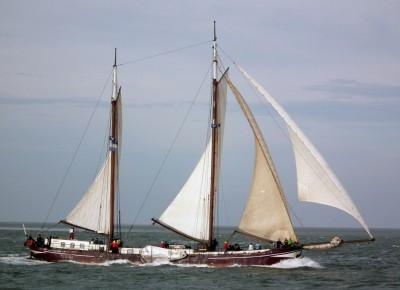 Segeln auf IJsselmeer oder Wattenmeer mit der Zweimastklipper Vliegende Draeck ab Harlingen