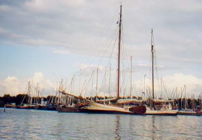 zeilen op IJsselmeer of Waddenzee met de tweemastklipper Vriendschap vanuit Monnickendam