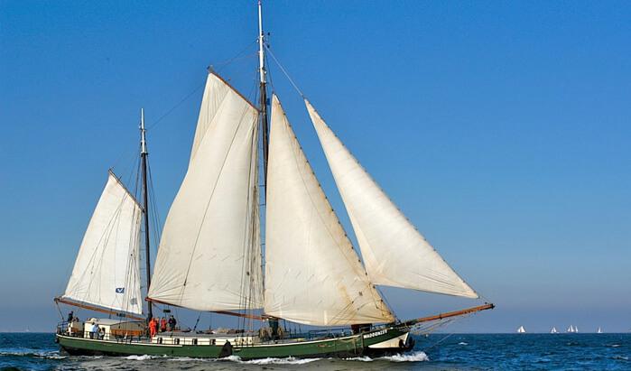 zeilen op IJsselmeer of Waddenzee met de tweemastklipper Waddenzee vanuit Harlingen
