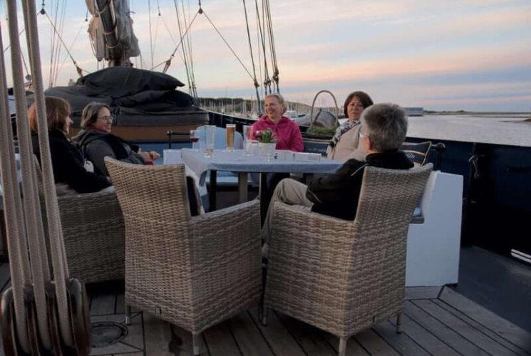 zeilen op IJsselmeer of Waddenzee met de tweemastschoener Wapen fan Fryslân vanuit Enkhuizen